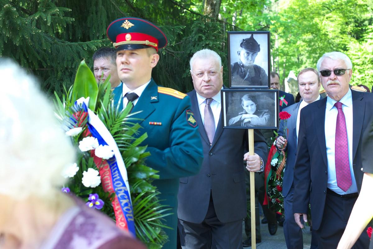 Бессмертный полк в Вильнюсе (Литва), 9 мая 2018 года