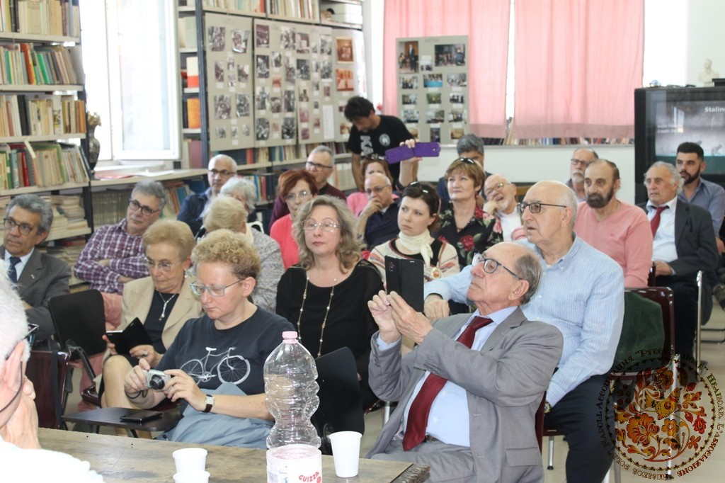 Фотовыставка, посвященная 75-ой годовщине Сталинградской битве, Италия, 25 апреля 2018 год