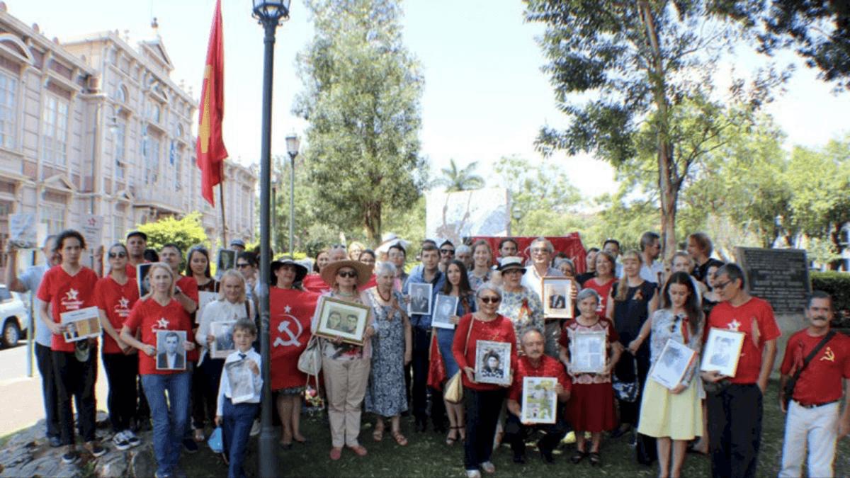 Уроженцы Мордовии прошагали в рядах «Бессмертного полка» в Коста-Рике и Мексике